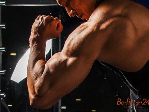 腕を太くするトライセプスエクステンション